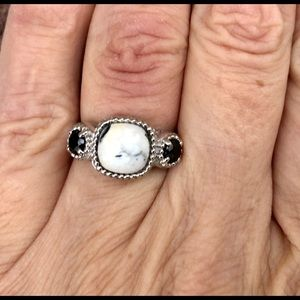 Jewelry - White Buffalo & Spinel 3 Stone Ring, Size 7